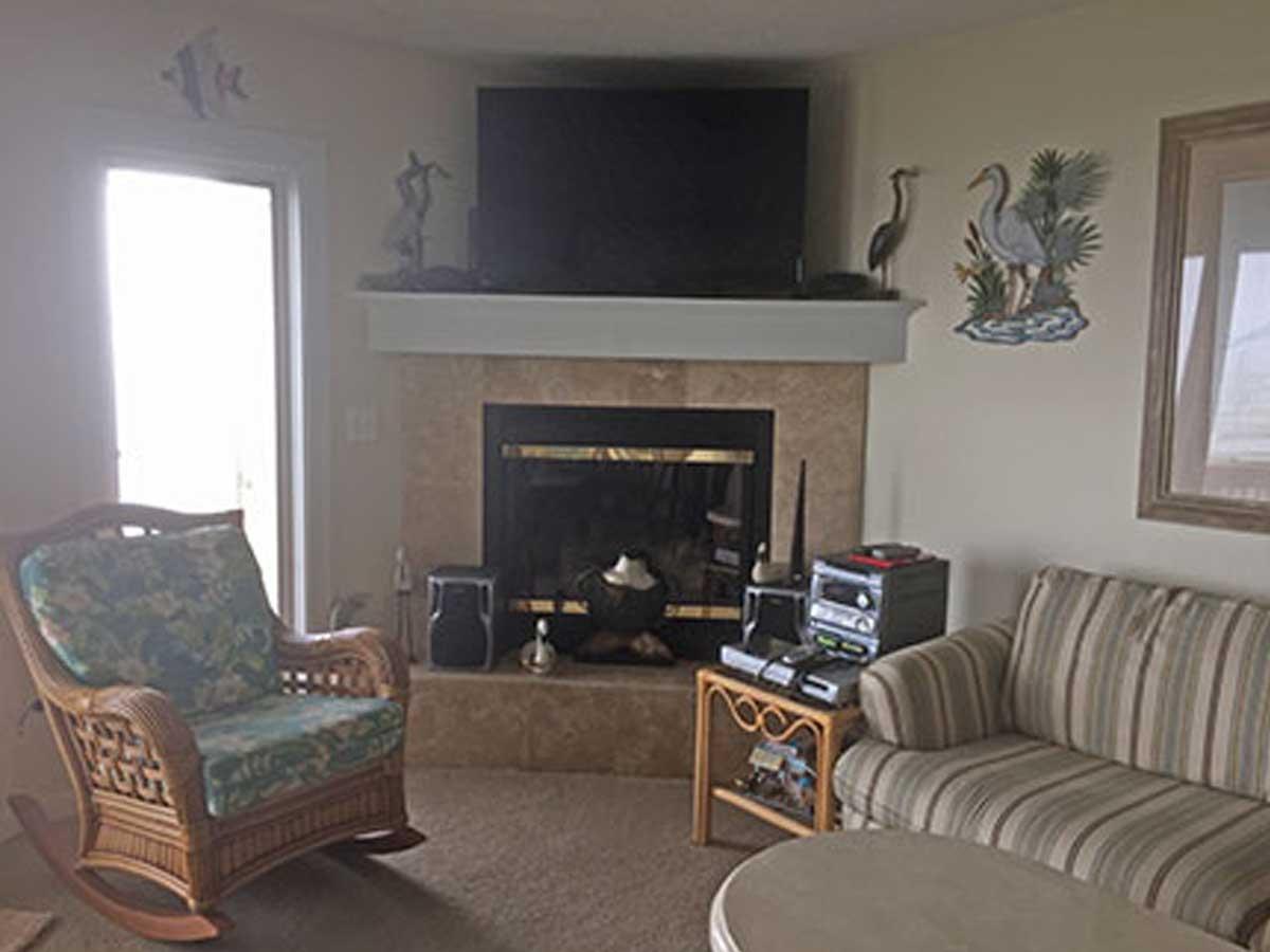 804-livingroom