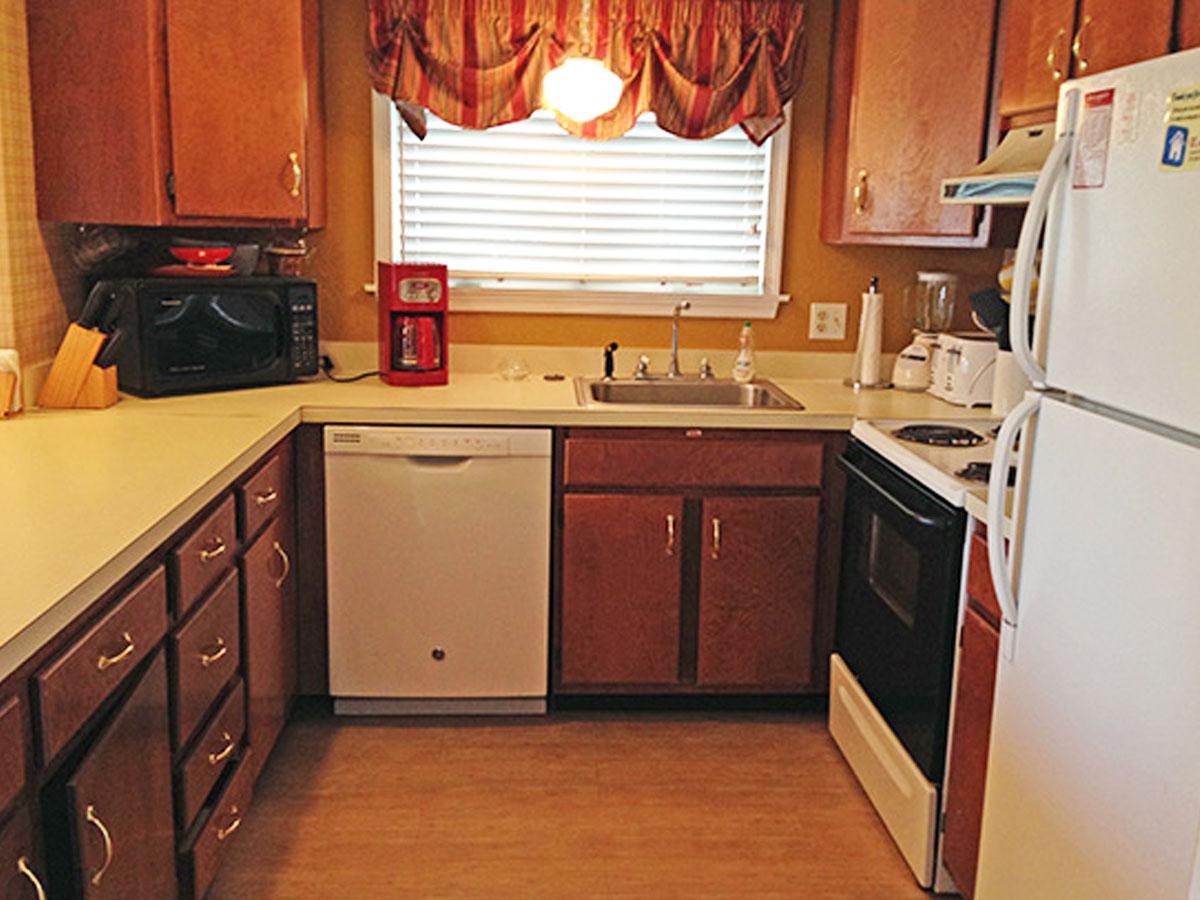 runaway-bay-13107-kitchen
