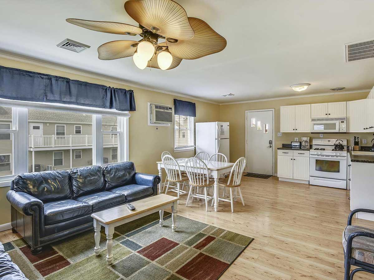 livingroom-kitchen